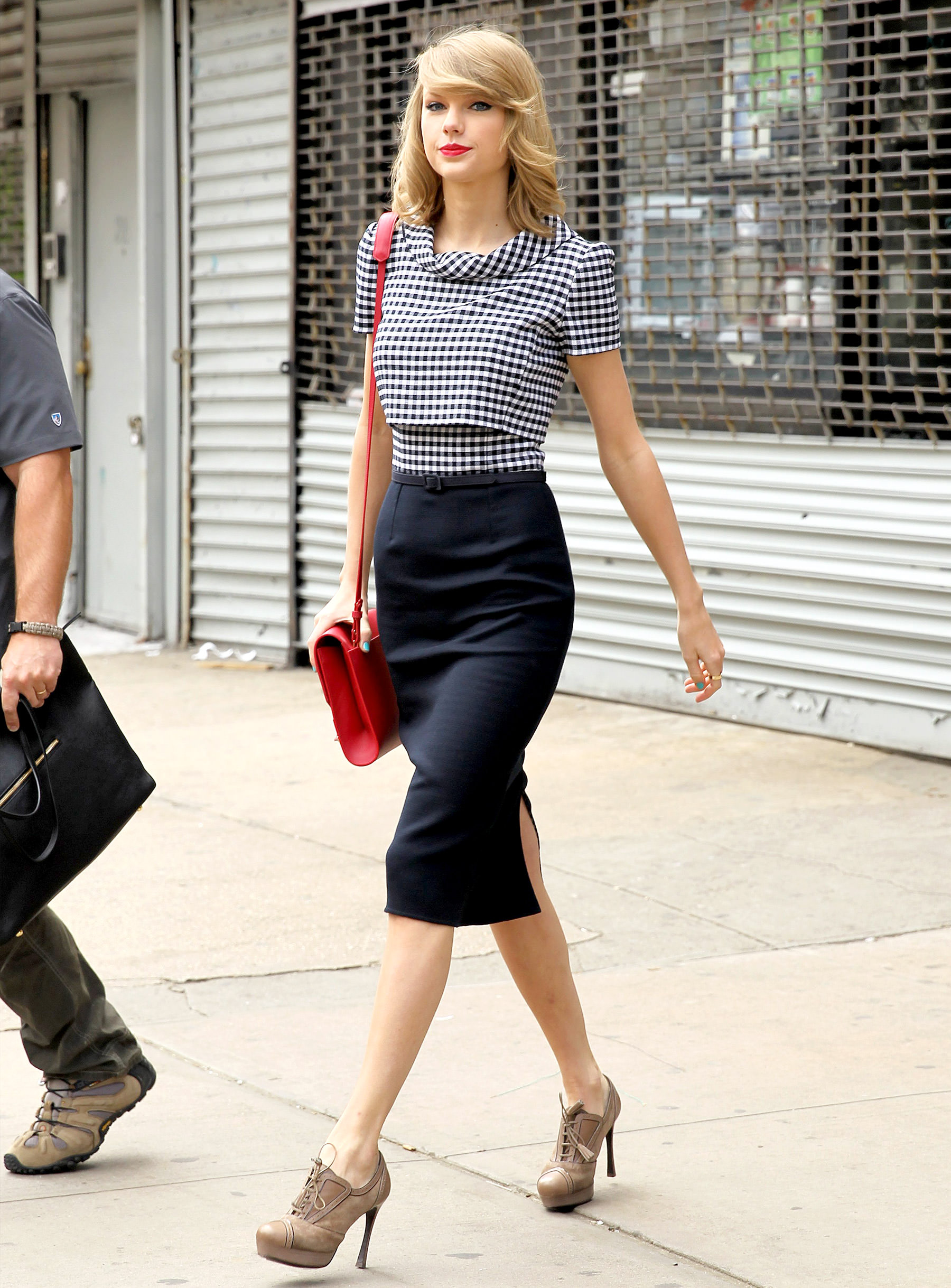 1399302079_taylor-swift-zoom