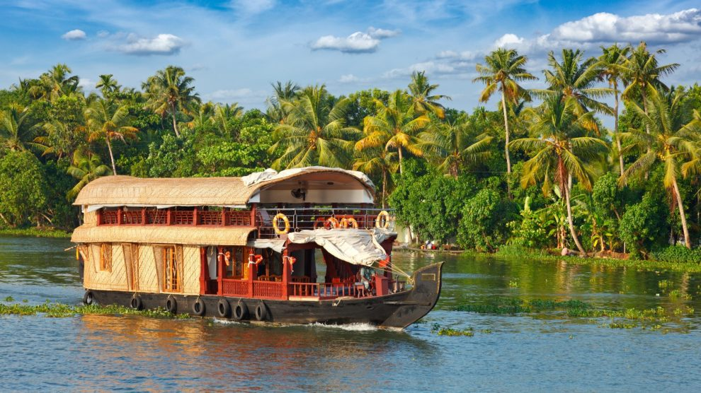 alleppey-houseboat-kerala-backwaers