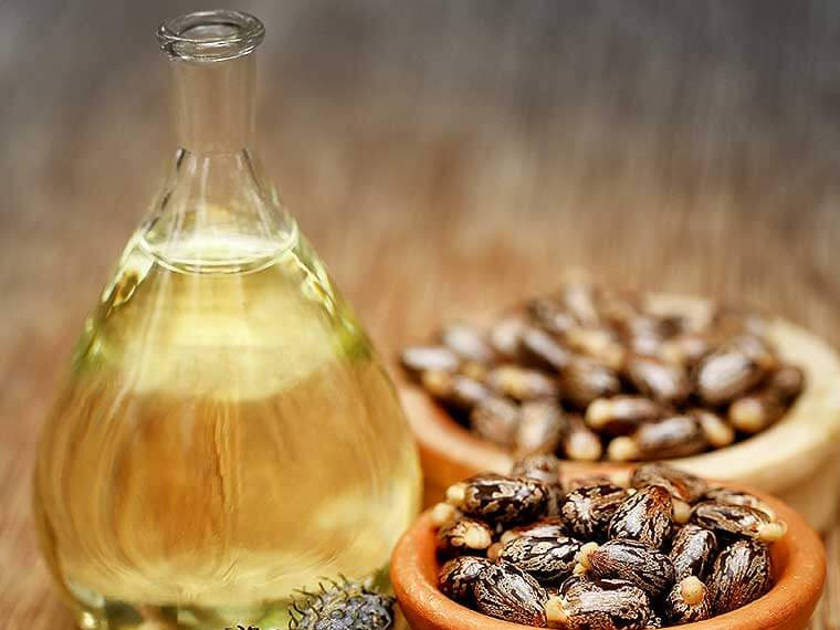 How to Grow Long Eyelashes with natural ingredients - use castor oil